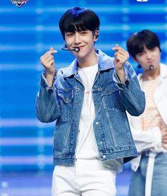 Lee Eunsang 'Like Always' at MCountdown Special Debut K Pop Chart, Quantum Leap, Innocent Man, Love U Forever, Fandom, Flower Boys, K Idol, Scene Photo, Kpop Boy