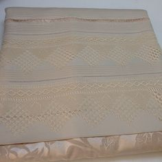 Pike Needle Lace, Lace Shorts, Projects To Try, Crochet, Instagram Posts, Hardanger, Tejidos, Needlepoint, Bed Drapes