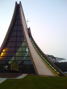 i m pei Temple Architecture, Religious Architecture, Beautiful Architecture, Architecture Details, Modern Church, Church Design, Church Building, Amazing Buildings, Kirchen
