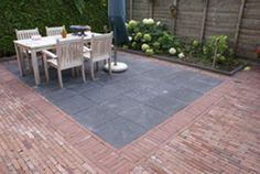 Afbeeldingsresultaat voor betontegels 60x60 antraciet zonder facet gebakken klinkers terras