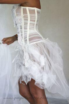 Robe de mariée noir et blanc originale.  Robes de mariée noir et ...