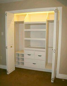 Slanted top shelf dividers