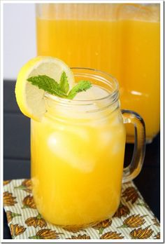 I found this mouth-watering Mango Lemonade recipe online, and I'm obsessed! Mango's are so in this season for check out some of my favorite Mango Recipes. Fruit Drinks, Smoothie Drinks, Non Alcoholic Drinks, Cocktail Drinks, Healthy Drinks, Smoothies, Beverages, Healthy Recipes, Mango Recipes