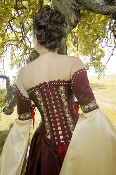 Corseted Celtic Fantasy Medieval wedding dress totally wrong color but i love the corset