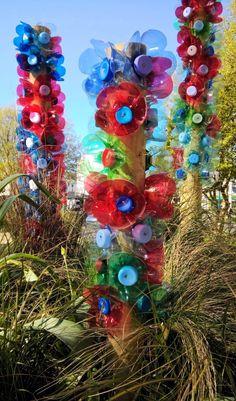 Comment faire des fleurs avec des bouteilles en plastique ? – Lavieenrouge