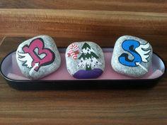 taşları beğendiğiniz desenlerde boyayarak sevdiklerinize sevimli hediyeler verebilirsiniz. el yapımı süs ve hediyelik fikirleri 10marifet.org'da
