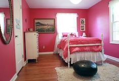 i'm not really a person who is down with pink for decorating, but something about this appeals to me.