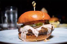 hamburguesas en Nueva York 5 napkin burger Five Guys, Nyc, Hamburger, Ethnic Recipes, Food, Places, Travel, Burger Restaurant, Restaurants