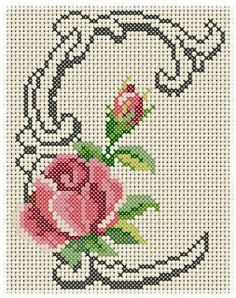 Artes e bordados da Sol: Monograma de Rosas Cross Stitch Letters, Cross Stitch Rose, Cross Stitch Flowers, Cross Stitch Charts, Counted Cross Stitch Patterns, Cross Stitch Designs, Cross Stitch Embroidery, Plastic Canvas Letters, Christmas Embroidery Patterns
