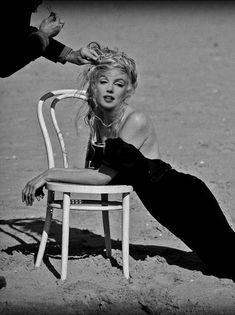 Fantasy Artwork of Marilyn during a modern photo shoot
