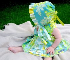 The Cottage Home: Ruffle Bonnet FREE Pattern and Tutorial by Lindsay Wilkes from The Cottage Mama.