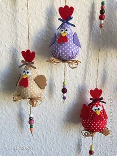 Bunny Crafts, Felt Crafts, Easter Crafts, Decor Crafts, Diy And Crafts, Crafts For Kids, Fabric Flower Pins, Chicken Crafts, Sewing Stuffed Animals