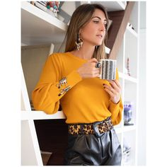 Maria Dolores Home Boujee Lifestyle, Ear Lobe Piercings, Perfect Nails, Stylists, Animal, Ring, My Style, Outfit, Blouse