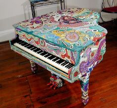 Beaded Piano...Andrea, you need to rescue your baby!