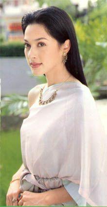 สุขสันต์วันสตรีไทยค่ะ นุ่น วรนุช