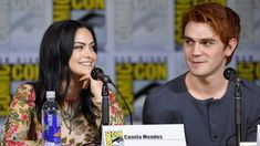Riverdale Archie And Veronica, Cool Pictures, Cool Photos, Cami Mendes, Riverdale Characters, Riverdale Cast, New Girlfriend, Stepping Out, Celebrity News
