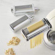 Turn your SMEG stand mixer into an automatic pasta maker with this attachment set. In minutes, you can roll out a sheet of silky-smooth pasta dough then cut it into perfect strands of fresh fettuccine or tagliolini. Smeg Stand Mixer, Thermal Coffee Maker, Milk Cafe, Joy Of Cooking, Cooking 101, Cooking Recipes, Donut Maker, Fire Pit Grill
