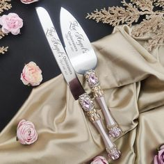 Quinceanera Cakes, Quinceanera Ideas, Wedding Cake Knife And Server Set, Unique Wedding Colors, Wedding Cake Cutting, Gold Wedding Decorations, Bling Wedding, Sweet 16 Birthday, Blush And Gold