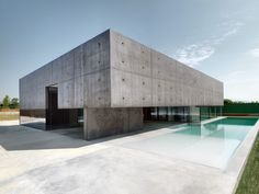 Construite à Urgnano, en Italie par l'agenceMatteo Casari Architetti