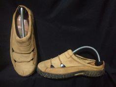 S3 Shoe Second Street CLARK Size : 42 Kondisi : Mulus Harga. :350 -------- Untuk Pemesanan : ☎️ BBM : 5FE4923B 📱 WA : 0853 - 3679 - 7780 💻 LINE : Selakau1991 ----Indonesia---- seluruh🏧 Payment via rek BRI, BNI & BCA 🚛 Shipping Via JNE & JNT