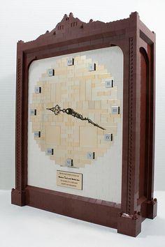 legozz:  LEGO Clock (by Cale Leiphart)