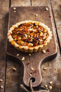 TARTALETKI Z ORZECHAMI I SOLONYM KARMELEM Cap Cake, Food Cakes, Cake Recipes, Muffins, Goodies, Baking, Sweet, Cook, Kitchen