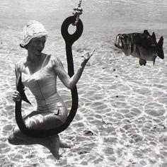 Las Primeras Fotografías Bajo el Agua Tomadas en 1938 por Bruce Mozert