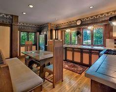 Dining Room - F.B. Henderson House / 301 South Kenilworth Ave., Elmhurst, Illinois / 1901 / Prairie Style / Frank Lloyd Wright