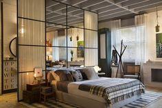 C'est dans le cadre de Casa Cor SP 2016, que la décoratrice brésilienne Paola Ribeiro a mis en scène ce loft de 70m², spacieux et confortable, dont la salle de bains est séparé du reste de l'espace pa