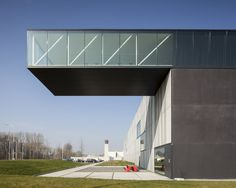 Image 2 of 17 from gallery of Enjoy Concrete HQ / Govaert & Vanhoutte Architects. Photograph by Tim Van De Velde