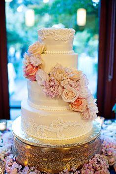 Photography by Meg Perotti / megperotti.com, Floral Design by Trinityblooms Floral Design / trinityblooms.com, Wedding Coordination by The Stylish Soiree / thestylishsoiree.com