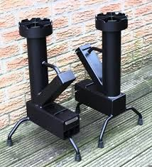 Discover thousands of images about cocina cohete/rocket stove- totalmente desarmable Outdoor Cooking Stove, Outdoor Stove, Rocket Heater, Rocket Stoves, Stove Heater, Stove Oven, Metal Projects, Welding Projects, Wood Gas Stove