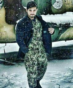 Pak army.... Pakistan Zindabad, Pakistan Fashion, Pak Army Quotes, Pakistan Country, Pak Army Soldiers, Army Pics, Pakistan Armed Forces, Army Brat, Army Love