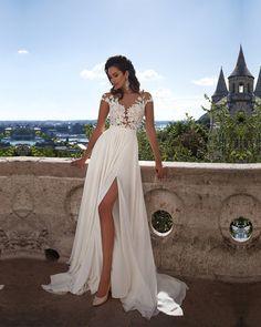 2017 New Unique Graceful Pure White Lace Appliques Long V-Neck Vented A-Line Weeding Dresses gelinlik On Sale