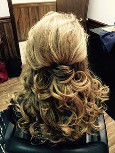 Prom hair medium length curls