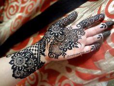 Bridal Mehndi Rates In Karachi : Love this uroosa mehndi karachi heavy designs