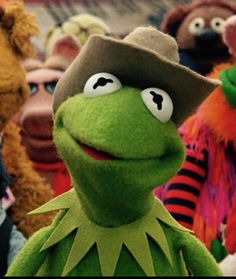 Kermit in an adorable cowboy hat