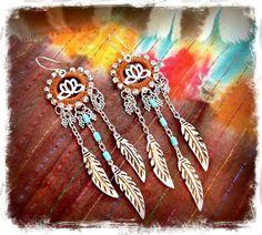 LOTUS-Traumfänger-Feder-Ohrringe aus Macrame von GPyoga