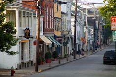 10 Prettiest Coastal Towns in New Endland.... Ingrid's Water Street, Rockport, Massachusetts