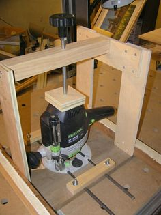 Which router to buy Diy Router Table, Router Table Plans, Woodworking Bench Plans, Woodworking Projects That Sell, Woodworking Workbench, Woodworking Techniques, Woodworking Shop, Router Lift, Router Tool
