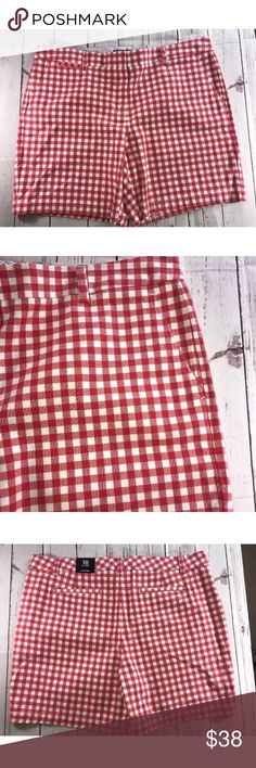 "Lands' End Size 18 Women's Mid Rise Shorts NWT Lands' End Size 18 Women's White and Red Check Plaid Mid Rise Shorts 6"" inseam. Mid Rise sits just below waist, straight fit through hip and thigh.  If you have any questions, please ask and I will answer as soon as possible.   If you purchase the item and there is a problem, please contact me immediately. I do my best work with you to correct it in a timely manner.  Happy shopping!! Lands' End Shorts"