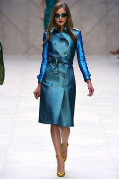 Burberry Prorsum S/S '13 - trench, what a colour and fabric