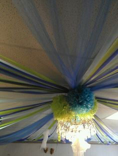 Ceiling decoration with tulle and streamers