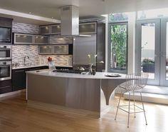 Cherry Kitchen in Peppercorn featuring Vetro Glass Doors - KraftMaid