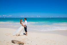 Andreea & Cristi - Occidental Punta Cana - Nunti de vis , Trash the Dress Dream Vacation Spots, Dream Vacations, Greece Vacation, French Polynesia, Honeymoon Destinations, Bora Bora, Romantic Travel, Maldives