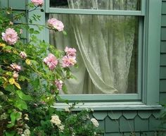 cute cottage trim under window . Rose Cottage, Cottage Style, Witch Cottage, Garden Cottage, Crazy Cat Lady, Crazy Cats, I Love Cats, Cute Cats, Kittens Cutest