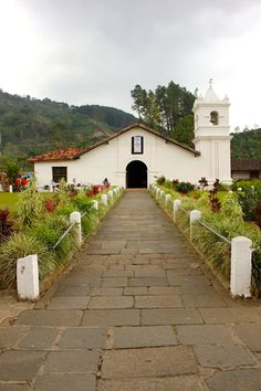 The historic church and monastery in Orosi Costa Rica. The oldest place of worship still standing in the country. www.thejoysoftraveling.com