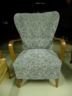 Plus Size Beach, Vintage Chairs, Quilt Cover, Wingback Chair, Linen Bedding, Accent Chairs, Ikea, Upholstery, Album