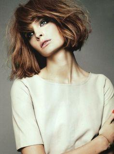 Kısa gölgeli saç modeli