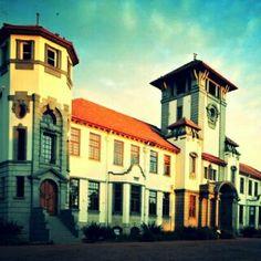 . Leadership, Mansions, House Styles, Home, Decor, Mansion Houses, Dekoration, Decoration, House